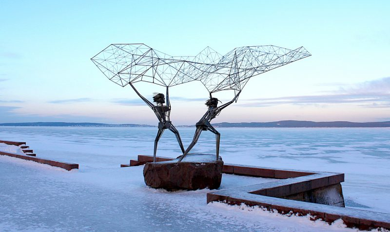 The sculptures on the embankment of Lake Onega